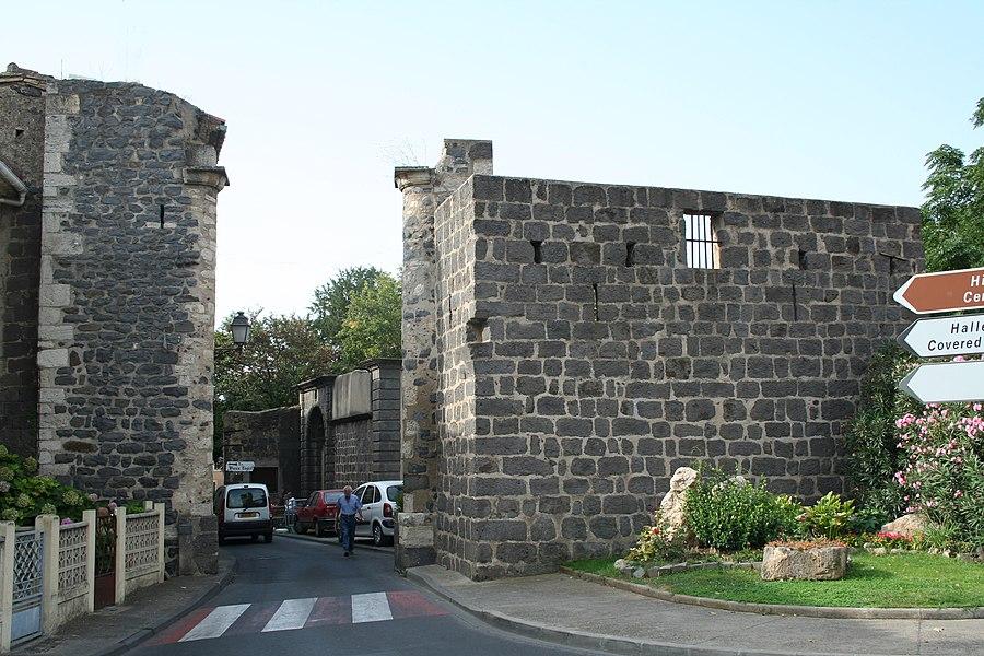 Vias (Hérault) - rempart.