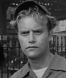 Description de l'image  Vic Morrow in Blackboard Jungle Trailer.jpg.