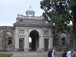 Villa Litta Lainate Ninfeo Fronte Sud.JPG
