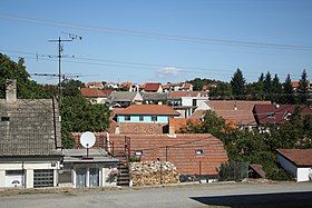 Village center in Hartvíkovice, Třebíč District.jpg