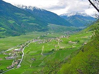 Etschtal - Image: Vinschgau Bei Tschars