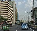 Volkswagen Beetle in Dhaka (27217037531).jpg