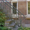 Voorgevel, detail trapleuning - Lithoijen - 20336509 - RCE.jpg