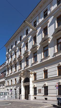 Wien 09 Collegium Pazmanianum a.jpg