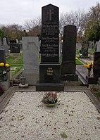 Wiener Zentralfriedhof - Gruppe 13B - Patric von Pokorny (1).jpg