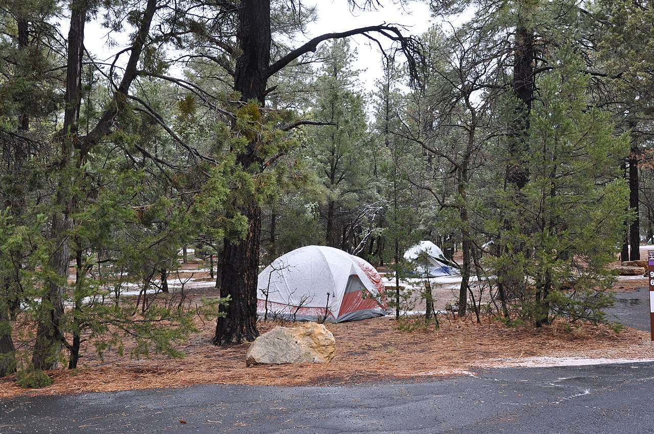 File:Winter Camping in Mather Campground, Grand Canyon ...