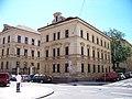 Zborovská - Petřínská, zadní strana justičního paláce.jpg