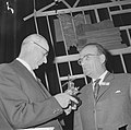 Zilveren houtzaagmolen 1964, voor de heer G. I. M. van Kemenade (links) rechts d, Bestanddeelnr 917-0456.jpg