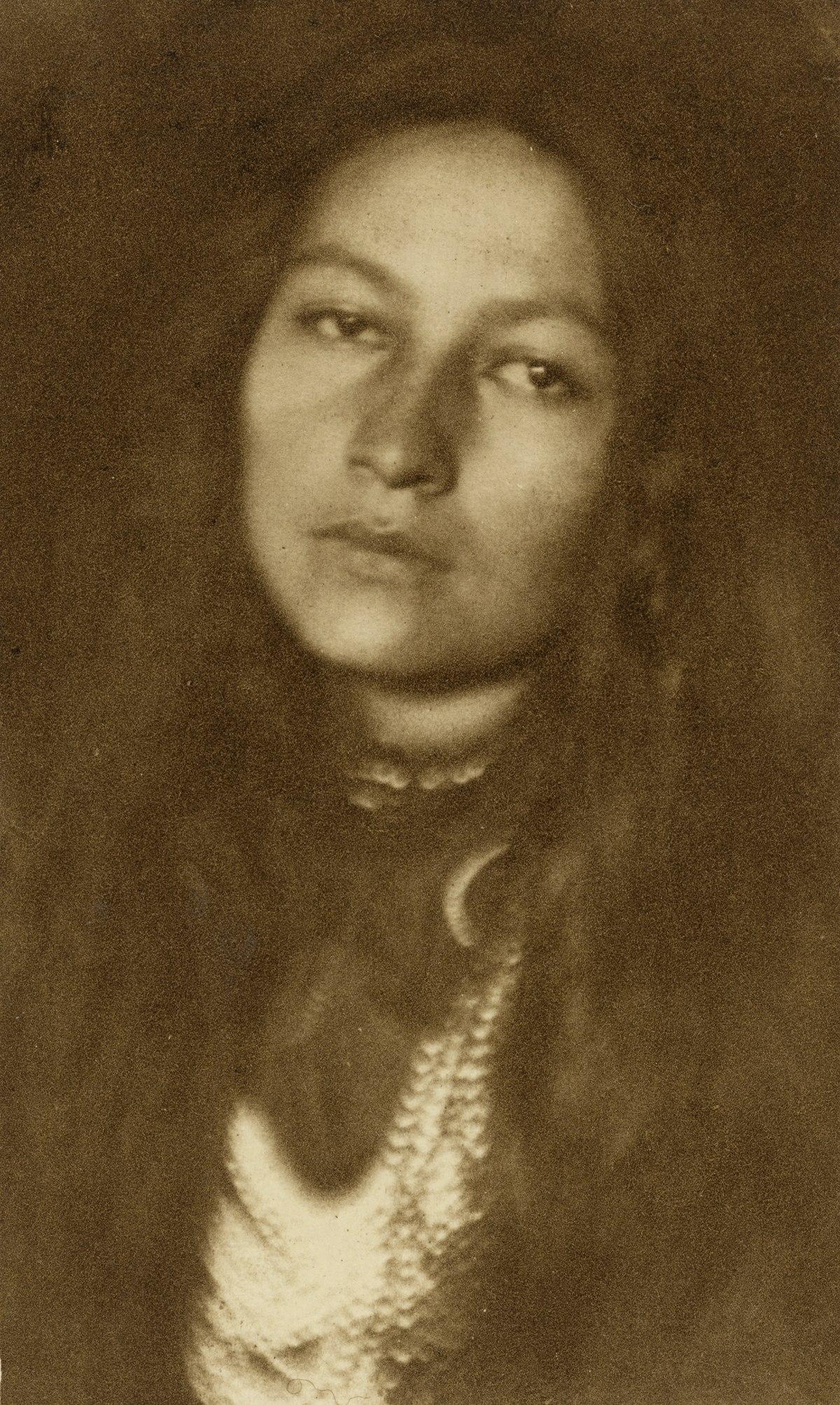 Zitkala,Sa , Wikipedia