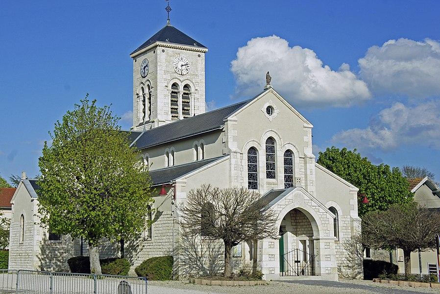 Vue de l'Église de Courcy.