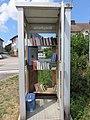 Étival - Ancienne cabine téléphonique boîte à livres 2 (juil 2018).jpg