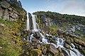 Водопад на ручье возле домика вулканолога Вакина 2.jpg