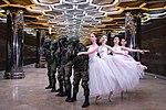 Лаборатория Танца и военнослужащие Центрального военного округа 02.jpg