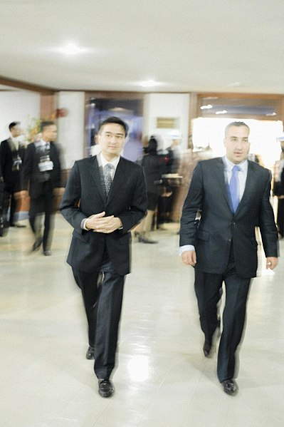 File:นายนิกะ กิเลาริ (H.E. Mr. Nika Gilauri) นายกรัฐมนตรีจอ - Flickr - Abhisit Vejjajiva (7).jpg