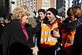 'Voluntarios por Madrid', flashmob multitudinario y nuevo chaleco por el Día Internacional del Voluntariado 2017 08.jpg