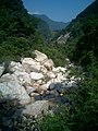 溪流顺峡谷而下 - panoramio.jpg