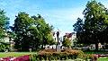 . Widok pomnika Łuczniczki w parku im Jana Kochanowskiego.Bydgoszcz, Polska. - panoramio.jpg