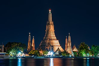 Wat Arun - Wat Arun at night, after the 2017 restoration