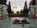 053 29 октября 1974 г. в День рождения комсомола у монумента впервые открылся почётный пост.jpg
