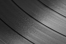 how many grooves are in a vinyl record