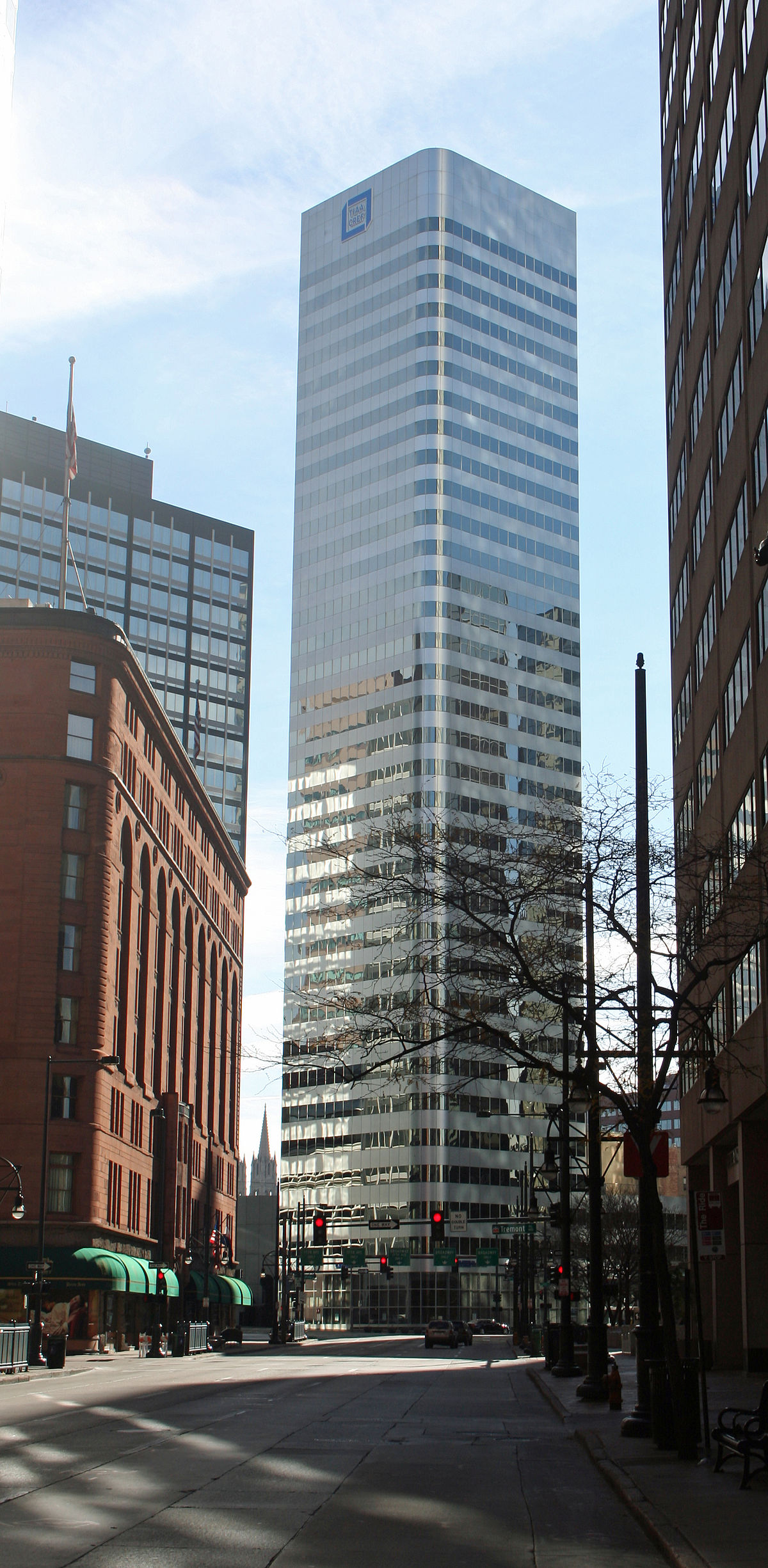 1670 Broadway - Wikipedia