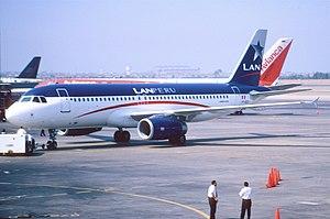 LATAM Perú - LAN Perú Airbus A320-200 at Lima in 2002.