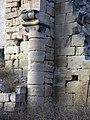 188 Ruïnes del monestir de Vallsanta (Guimerà), columna del mur nord.jpg