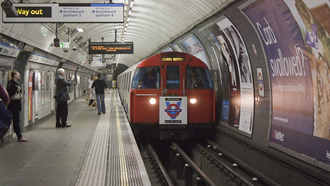 London Underground 1967 Stock - The last 1967 stock train at Stockwell
