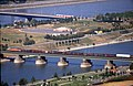 196R29180890 Donauturm, Blick vom Donauturm, Nordbahnbrücke, Güterzug, Floridsdorferbrücke.jpg