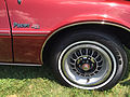 1975 AMC Pacer DL coupe in Autumn Red at 2015 AMO show 08of12.jpg