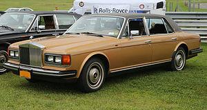 Rolls-Royce Silver Spirit - Image: 1982 Rolls Royce Silver Spur US model, front left (Lime Rock)