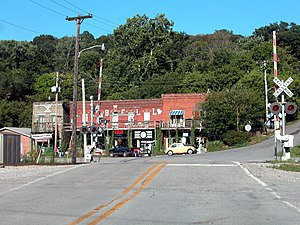 Makanda, Illinois - A railroad crossing in Makanda