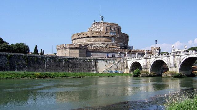 Замок св. Ангела— тюрьма Римской инквизиции. Фото 2007 года