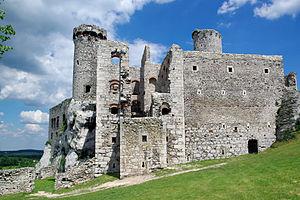 Gothic architecture in modern Poland - Image: 20140619 Zamek Ogrodzieniec 3703