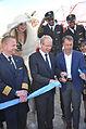 2015-07-29 Eröffnung Maschseefest Hannover, (1047) Oberbürgermeister Stefan Schostok und Hans Christian Nolte mit Schere und blauem Band.JPG