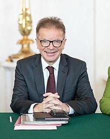 2020 Rudolf Anschober Ministerrat am 8.1.2020 (49351370946) (cropped).jpg
