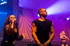 2 Unlimited - 2016332013622 2016-11-26 Sunshine Live - Die 90er Live on Stage - Sven - 1D X II - 1817 - AK8I7481 mod.jpg