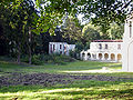 Abbaye Notre-Dame du Val - Batiment des convers et cloitre nord.jpg