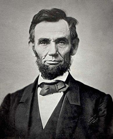 [Imagem: 389px-Abraham_Lincoln_November_1863.jpg]