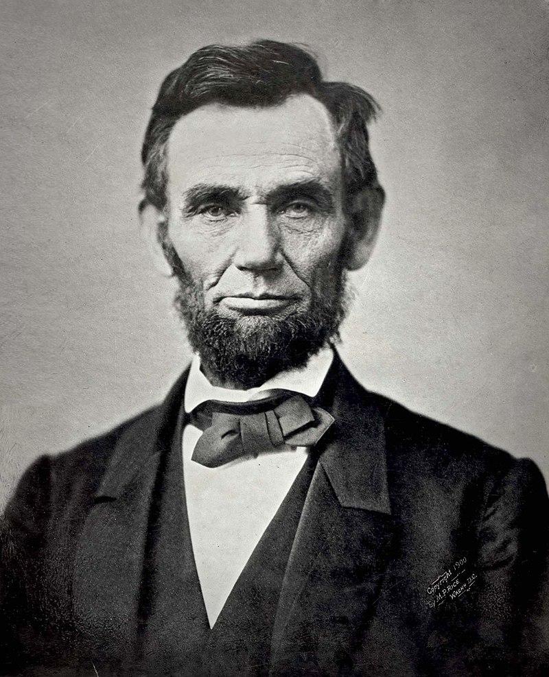 https://upload.wikimedia.org/wikipedia/commons/thumb/1/1b/Abraham_Lincoln_November_1863.jpg/800px-Abraham_Lincoln_November_1863.jpg