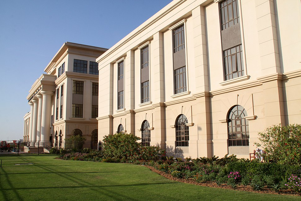 Abu Dhabi University 2013 03 13 (8582695329)