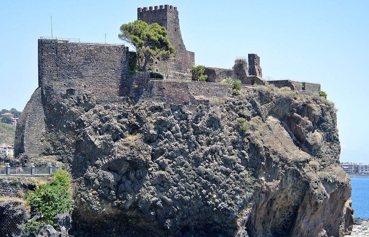 Aci Castello - Wikipedia