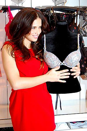 Adriana Lima - Adriana Lima with the 2010 Fantasy Bra