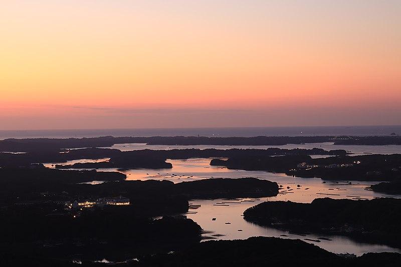 ファイル:Ago Bay from Mount Yokoyama.jpg
