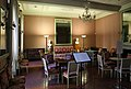 Ajaccio, maison bonaparte, salone con mobilio luigi xvi (sedute), del direttorio (tavolini) e secondo impero (guéridon) 01.jpg