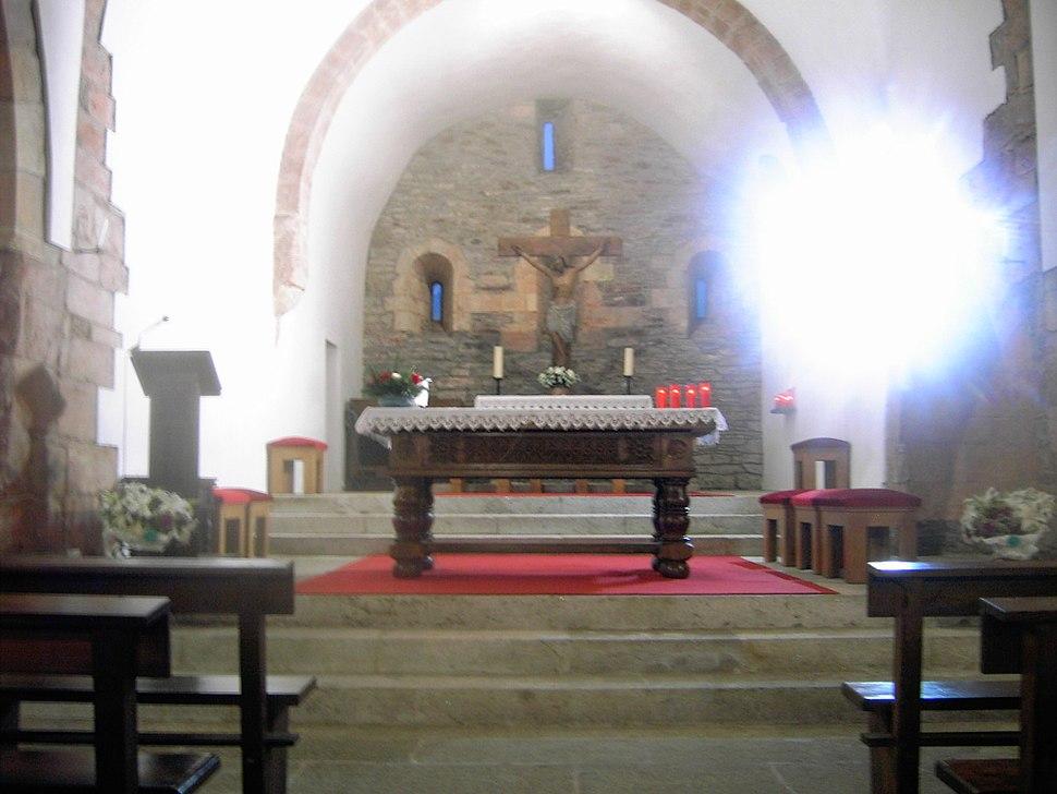 Altarraum der Iglesia Santa Maria am O-Cebreiro
