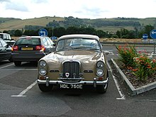 Alvis car at Peggy Scott's restaurant on A90 - panoramio.jpg