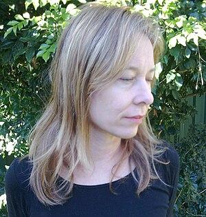 Amanda Brown (musician) - Image: Amanda Brown (musician) in garden