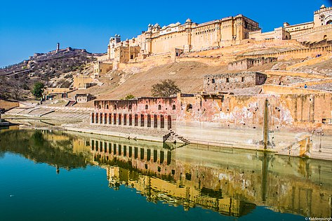Amer Fort and Jaigarh Fort are connected by subterranean passages, and are known for their artistic Hindu Rajput style elements.