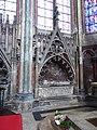 Amiens Cathedrale N.Dame Chapelles rayonnantes autour du chœur (1).jpg